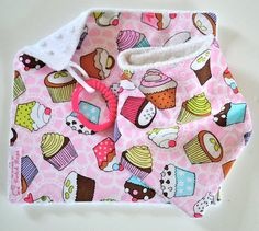 CUPCAKES GIFT SET  Bamboo Bandana Bib & Minky by CwtchBugs on Etsy, £12.00