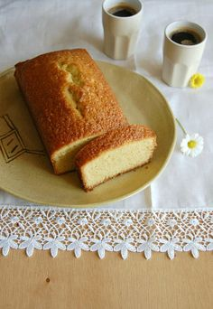 Orange olive oil pound cake / Bolo de azeite de oliva e laranja by Patricia Scarpin, via Flickr