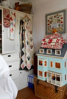 Supergoof Quilts: -- I want to live in her house....