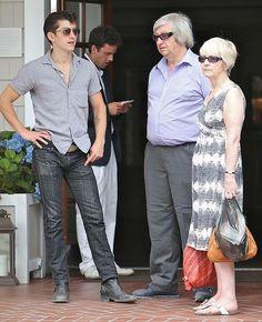 It's Alex's parents!!