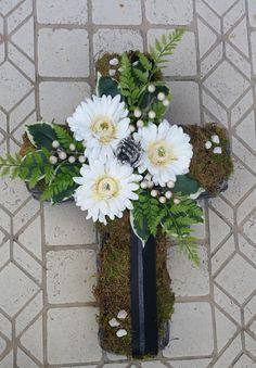 Pflanzschalen - Grabgesteck, Grabaufleger, Kreuz, Trauerfloristik - ein Designerstück von Die-Deko-Idee bei DaWanda