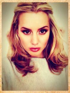 Love this hair Beauty Nails, Hair Beauty, Brown Eyes Blonde Hair, Chelsea Girls, Long Locks, Beauty Queens, Beautiful Outfits, Hair Inspiration, Hair Makeup