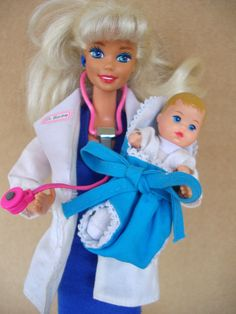 I think the stethoscope made a heartbeat noise when you pressed the button Nurse Barbie, Barbie I, Vintage Barbie Dolls, Barbie World, Barbie Dress, Barbie And Ken, Barbie Clothes, Barbie Outfits, Antique Toys