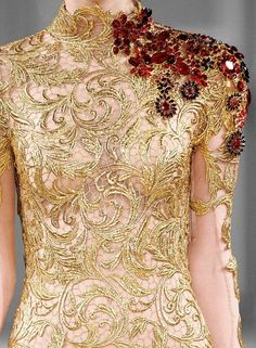 agameofclothes: Lannister couture Submitted by eclecticeevee (via TumbleOn) Couture Embroidery, Silk Ribbon Embroidery, Couture Details, Fashion Details, Gala Dresses, Evening Dresses, Reign Fashion, Tambour Beading, Elegant Outfit