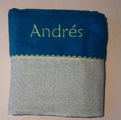 Andrés ya tiene su toalla de playa Popolet#Toallas playa#Regalos bautizo#calorcito