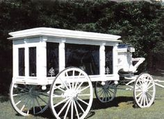 Horse Drawn Vehicles - Horse Drawn Wagons, Sleighs, Carriages, Hearses, Stagecoaches For Sale Halloween Yard Displays, Horse Drawn Wagon, Old Wagons, Covered Wagon, Horse Carriage, Pretty Horses, Car Parts, Cars For Sale, Antique Cars
