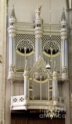 Organ at Dom Church by Pravine Chester Renaissance Music, Medieval Music, Organ Music, Houses Of The Holy, Church Pictures, Early Music, Music Items, Gothic Furniture, My Favorite Image