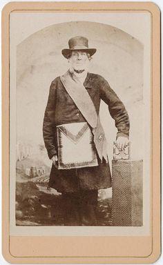 cdv of a man in Freemason garb by William Shew