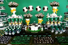 Como havia comentado no post anterior, esta foi a mesa do an Soccer Birthday Parties, Sports Birthday, Soccer Party, 10th Birthday, Birthday Party Themes, Soccer Decor, Fiesta Decorations, Wedding Tissues, Cocktails