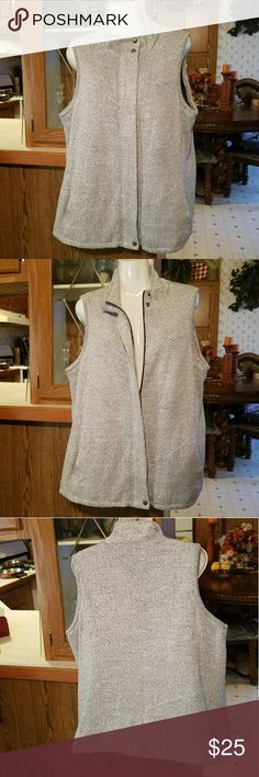 Sweater Vest Gray Full zip Coldwater Creek Vest Thick Speckled Sweater  Side pockets/ lined Size 1X 18 Good condition Coldwater Creek Jackets & Coats Vests