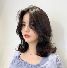 Pin on Tzuyu twice Ulzzang Short Hair, Asian Short Hair, Short Hair Korean Style, Korean Long Hair, Medium Hair Cuts, Medium Hair Styles, Long Hair Styles, Pelo Indie, Shot Hair Styles