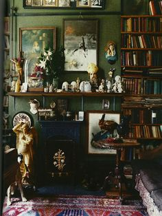 Dame Beryl Bainbridge's sitting room. World of Interiors Nov Diary of a Wandering Eye Bohemian Interior, Bohemian Decor, Bohemian Style, Dark Bohemian, World Of Interiors, Green Rooms, Green Walls, Interior Decorating, Interior Design