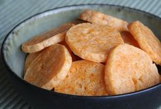 Cheddar-Parmesan Crackers  http://leitesculinaria.com/750/recipes-cheddar-parmesan-crackers.html