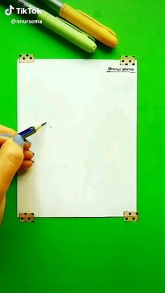 Pin by Aryelle Walls-williams on Drawings [Video] Girl Drawing Sketches, Cute Easy Drawings, Girly Drawings, Art Drawings Sketches Simple, Pencil Art Drawings, Drawing Drawing, Creative Art, Easy Drawing Tutorial, Anime