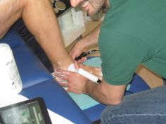 Tecar EndoWarm in funzione durante il #Corso di #Formazione sulla #Tecarterapia Il Sistema Neutrodinamico nelle Patologie Sportive Meditek Service S.r.l. Tecnologie e Servizi per la Medicina http://www.meditekservice.com/