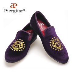 108.00$  Watch here - http://alif9k.worldwells.pw/go.php?t=32738384642 - Piergitar new Purple color velvet men handmade loafers with delicate embroidery USA style Fashion party and banquet men's flats