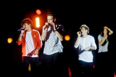 """British pop sensation One Direction brought the """"On the Road Again"""" tour to Pittsburgh on Sunday, Aug. 1, 2015 at Heinz Field. Band members are (from left) Louis Tomlinson, Liam Payne, Niall Horan and Harry Styles.  (Jack Fordyce  