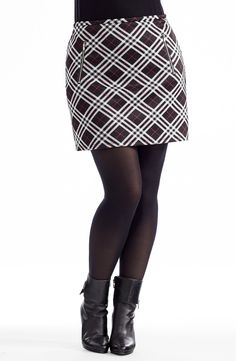 Tartan Mini Skirt   Style No: SK8071 Stretch tartan Ponti fabric skirt. This cool skirt is fully lined in a stretch fabric and features two diagonal zip details on the front. #plussize #dreamdiva #dreamdivafiles Tartan Mini Skirt, Mini Skirt Style, Skirts With Pockets, Mini Skirts, Plus Size Skirts, Printed Skirts, Stretch Fabric, Beautiful People, What To Wear