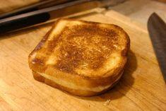 Saviez-vous que vous pouvez préparer un croque-monsieur avec la plaque chauffante de votre cafetière ?