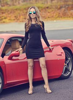 Kochani ! Dziś mam przyjemność podzielić się z Wami zdjęciami z wyjątkowej sesji zorganizowanej wraz z marką Paulo Connerti .  W... Car Girls, Pin Up Girls, Blue Bikini, Supergirl, Mini Skirts, Crop Tops, Lady, Womens Fashion, Model