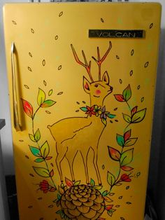 Deer Mural Painted onto Fridge - Pilar y Julián - Casa chaucha blog - #refrigerator #upcycle