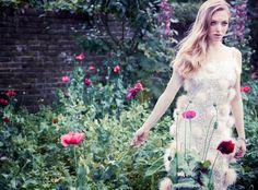 Amanda Seyfried for Vanity FairDec12 by simon emmett