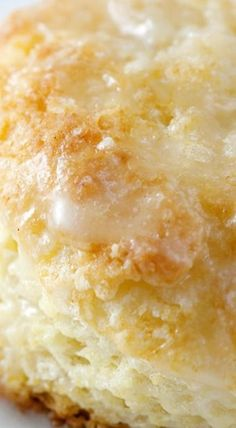 Quick & Easy Lemon Buttermilk Scones - The Unlikely Baker Buttermilk Recipes, Lemon Recipes, Baking Recipes, Scone Recipes, Just Desserts, Delicious Desserts, Dessert Recipes, Yummy Food, Tasty
