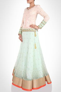8cf4b23bcbdfce in is an Online Designer Store for Women that offers Exclusive Designer  wear from Top Indian Desginers