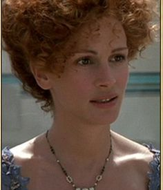 Downton Abbey's Lady Grantham wears necklace with famous TV history | Daily Mail Online