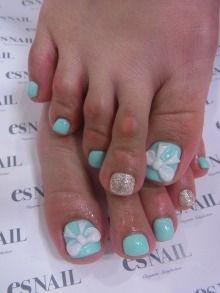 Tiffany Nail Design