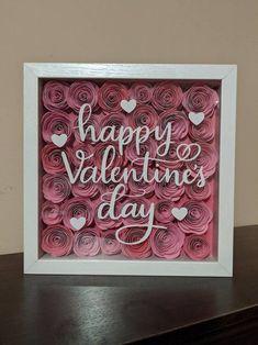Valentines Gift Box, Valentine Crafts, Happy Valentines Day, Custom Shadow Box, Diy Shadow Box, Flower Shadow Box, Flower Frame, Foto 3d, Paper Flowers