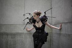 Spider Dress, por Anouk Wipprecht and Daniel Schatzmayr