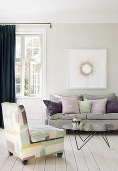 Jannik Martensen-Larsen & Helene Blanches beautiful living room in pastel shades. Pedrera sofatable from Gubi.