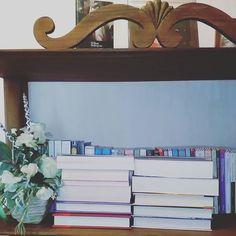 Ciao lettori!! Quali sono i nostri ultimi #libri che abbiamo recuperato? Qualcuno lo avete già visto ma per scoprire gli altri (ebooks compresi) vi invitiamo a dare un'occhiata al post appena pubblicato sul blog (link diretto in bio)  #leggere #lettura #libridaleggere #book #books #bookhaul #bookworm #bookaddict #bibliophile #libreria #bookshelf #booknerd #bookworm #reading #bookshelfie #instagood #fotodelgiorno #bookphoto #lettura
