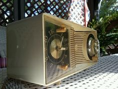 1950s Vintage Motorola Tabletop Radio AC3AH, Rare. G2-VG. Works $.99c No Reserve #Motorola