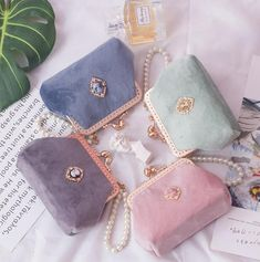 Items similar to Palace lady top handle bags coin purse niche ins wallet retro mini bags velvet pearl handbags coin bags clutches evening bags on Etsy Frame Bag, Insulated Lunch Bags, Coin Bag, Brown Bags, Cute Bags, Luxury Bags, Handmade Bags, Purses And Handbags, Leather Handbags