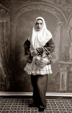 """In her 1998 series """"Qajar,"""" Shadi Ghadirian tried to reconstruct the atmosphere of a previous era by using old backdrops. Fine Art Photography, Portrait Photography, Social Photography, Classic Photography, Vintage Photography, Iran Pictures, Qajar Dynasty, Iranian Women Fashion, Ethnic Fashion"""