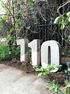 Oversized painted cement house numbers Source by janicecoffee Concrete Crafts, Concrete Projects, Concrete Garden, Concrete Planters, Diy Concrete Mold, Cement Tiles, Mosaic Tiles, Wall Tiles, Large House Numbers
