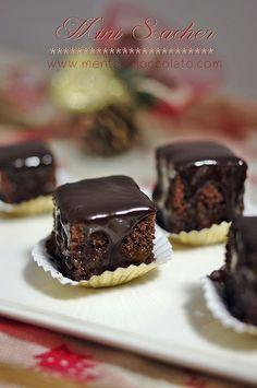 Menta e Cioccolato: MINI SACHER - Pasticcini al Cioccolato - come resistere alla tentazione ed accontentarsi di uno solo?