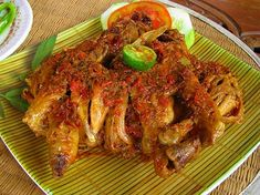 10 Most Well known Foods in Bali. Bali island is one of the most popular tourist destinations in Indonesia. Apart from having a beautiful view, tourists will also be pampered with special Balinese delicious culinary. Meat Recipes For Dinner, Easy Soup Recipes, Chef Recipes, Chicken Recipes, Cooking Recipes, Kitchen Recipes, Cooking Ideas, Delicious Vegan Recipes, Tasty