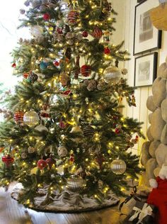 My Sweet Savannah: ~Our Christmas tree with Balsam Hill~{& giveaway}