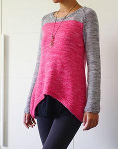 Cala Luna. Worsted weight yarn, US size 7 needles.