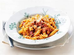 Kinkkupasta Pasta Dishes, Superfood, Pesto, Macaroni And Cheese, Favorite Recipes, Ethnic Recipes, Koti, Red Peppers, Mac And Cheese