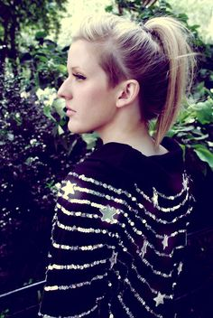 Not that I'm obsessed with Ellie Goulding.but I'm kind of obsessed with Ellie Goulding. There's a reason she was invited to sing at the royal wedding. Ellie Goulding Hair, Shaved Sides, Hipster, Dream Hair, Long Bob, Short Wavy, Cut And Color, New Hair, Wavy Hair