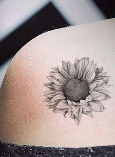Realistic Black Sunflower Shoulder Tattoo Ideas for Women Delicate Vintage Flo . - Realistic Black Sunflower Shoulder Tattoo Ideas for Women Delicate Vintage Flo Sunflower tattoo - Vintage Blume Tattoo, Vintage Flower Tattoo, Flower Tattoo Back, Back Tattoo, Tattoo Flowers, Tattoo Vintage, Sunflower Tattoo Simple, Sunflower Tattoo Shoulder, Sunflower Tattoos