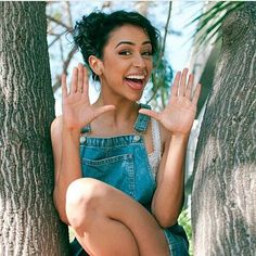 SHE'S SO PRETTY . . . . . . #lizakoshy #daviddobrik #diza""