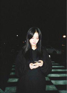 blackpink in your area Kpop Girl Groups, Korean Girl Groups, Kpop Girls, Yg Entertainment, K Pop, Black Pink ジス, Blackpink Members, Polaroid Photos, Aesthetic Gif