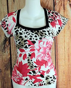 Belldini Floral Print Short Sleeve Top Womens Size Small