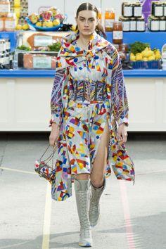 Chanel Fall Winter 2014/15 Fashion Show