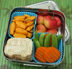 School Bus Bento in a ECOlunchbox Solo Cube  (Bento School Lunches Review). #backtoschool